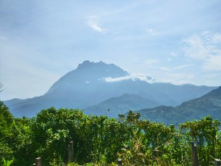 Der höchste Berg Borneos