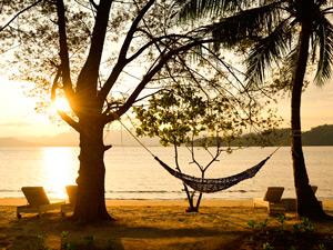 Sonnenuntergang auf Pulau Gaya