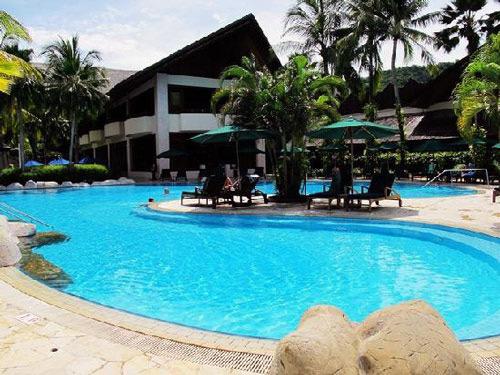 Der Pool Ihres Strandhotels