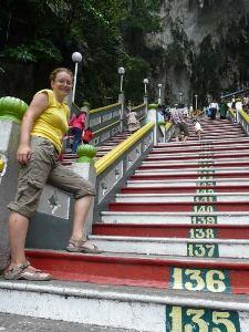 Die Stufen zu den Batu Caves bei Kuala Lumpur