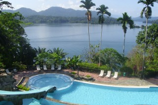 Pool Lake Kenyir