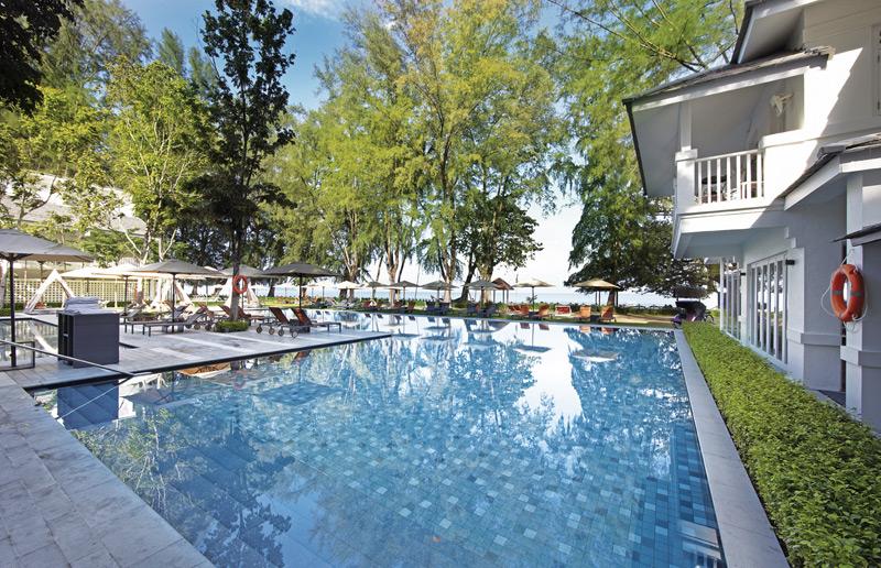 Am Pool relaxen