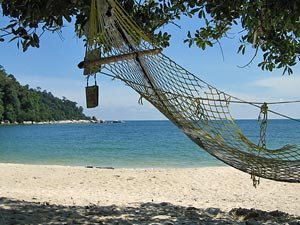 Hängematte am Strand von Pulau Pangkor