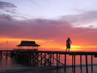 Landungssteg auf Pulau Tiga
