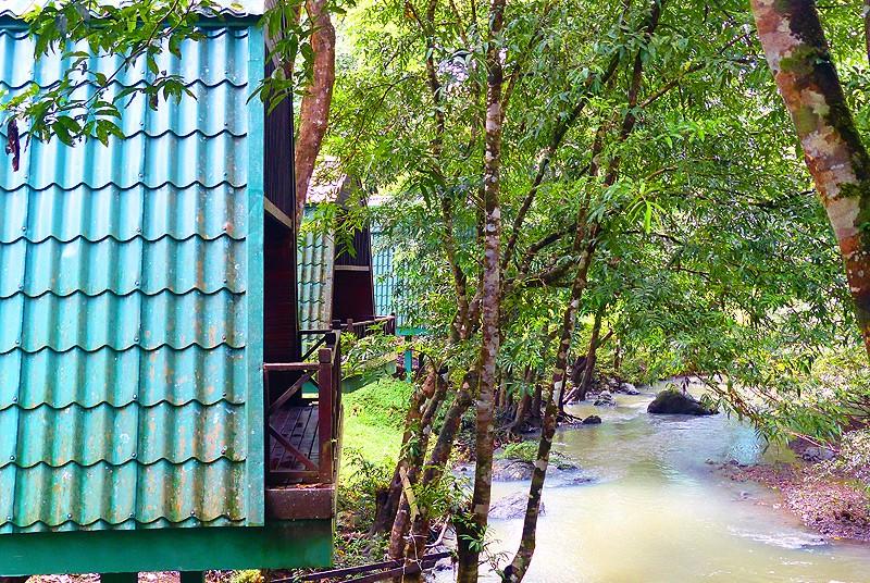 Die Chalets mit Flußblick im Tabin Nationalpark