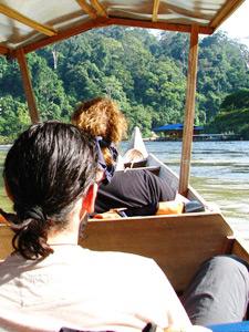 Longboat im Taman Negara Nationalpark