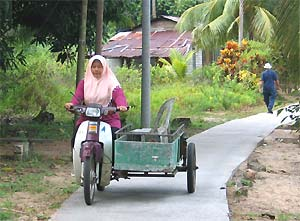 tioman-local-scooter
