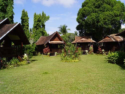 Chalets im Garten bei einer Familie in Kota Bharu