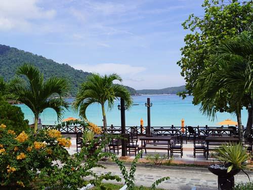 Von Ihrem Hotel auf den Perhentian Islands blicken Sie direkt aufs Meer