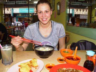 Einheimische Speisen im lokalen Restaurant