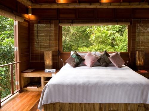 Die Zimmer im Resort sind stilvoll eingerichtet