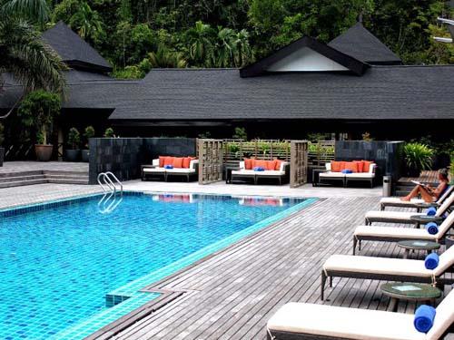 Der Pool im Resort lädt zur Erfrischung ein