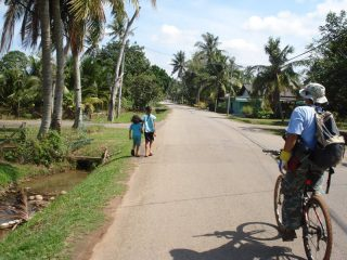 Mit dem Fahrrad durch Melakas Umgebung