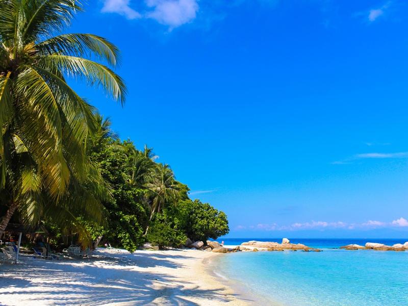 Blaues Wasser auf den Perhentian Islands
