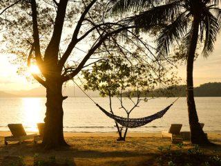 Traumhafter Sonnenuntergang auf Pulau Gaya
