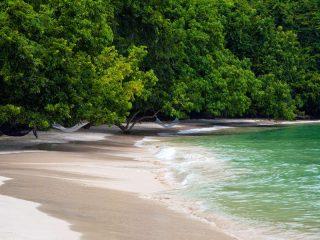 Strand auf Pulau Gaya