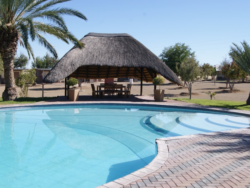 Lodge mit Pool am Fish River Canyon in Namibia