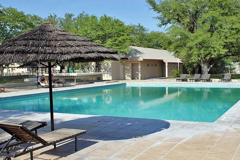Pool in der staatlichen Lodge im Etosha