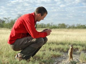 Botswana-Makgadikgadi Salzpfannen-Reisender-Erdmännchen