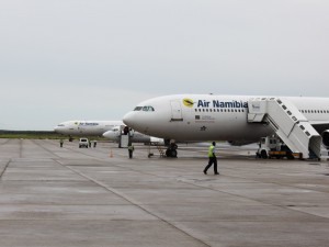 Namibia - Air Namibia am Flughafen Windhoek - Highlights Namibia