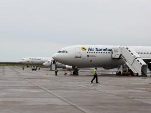 Flugzeug Air Namibia - Von Windhoek zu den Victoria Fällen