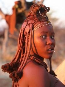 Namibia - Himba Frau im Norden - Namibia mit Kindern