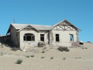 Namibia - Lüderitz - Verlassene Häuser in der Geisterstadt Kolmannskuppe - Namibias Süden