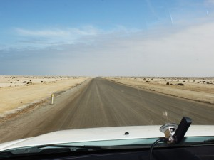 Namibia - Blick aus dem Auto in die Weite des Landes - Namibia Botswana