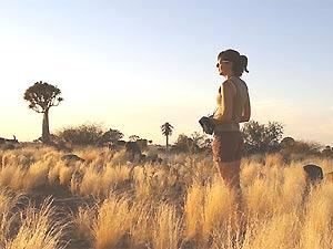 Wandern durch die Kalahari Wüste in Namibia