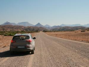 Mit dem Mietwagen durch die Weite Namibias