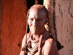 alter Mann im Himbadorf