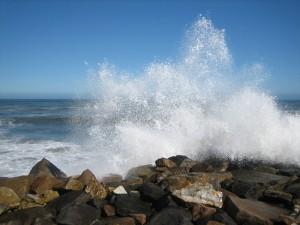 Namibia - Wilde Wellen vor der Küste von Swakopmund - Namibia Highlights
