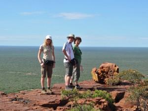 Namibia Reisende genießen den Ausblick vom Waterberg