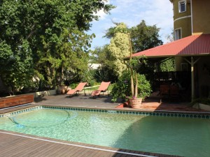 kleines Gästehaus mit Pool in Windhoek