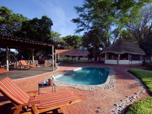 Namibia - Okahandja - Pool auf der Farm