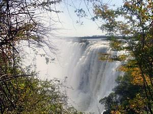 Simbabwe - Blick auf die beeindruckenden Victoria Wasserfälle - Namibia Botswana
