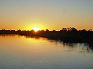 Namibia - Caprivi Streifen - Sonnenuntergang im Caprivi Streifen - von Windhoek zu den Victoria Fällen