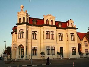 Gebäude Kolonialzeit Swakopmund Namibia -Von Windhoek zu den Victoria Fällen