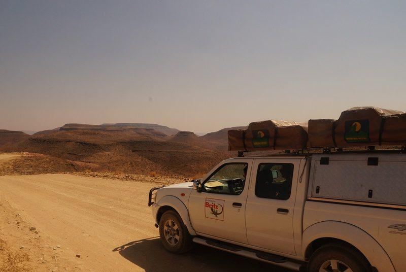 Mit dem Allradwagen und Dachzelt in Namibia