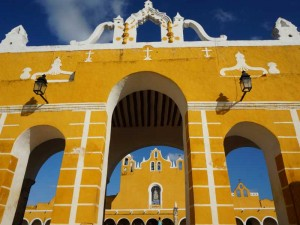 Izamal Mexico Kids - klooster