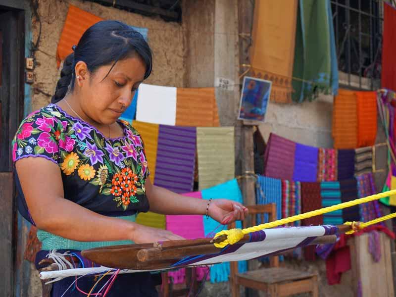 Mexicaanse dorpjes met kinderen - Mexicaanse kleden weven
