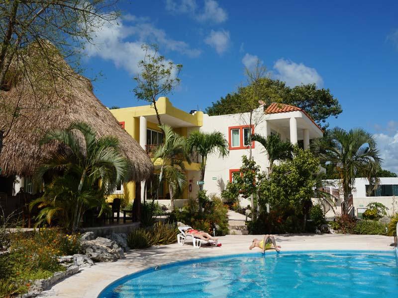 Alternatief verblijf Bacalar Mexico Kids - hotel zwembad