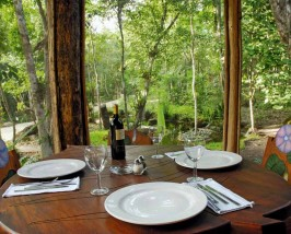 Special stay optie Calakmul - jungle Mexico hotel restaurant