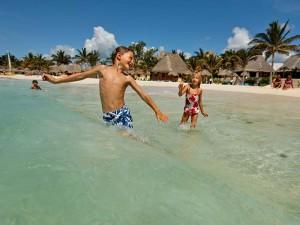 mexico-reis-kinderen-strand