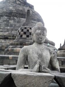 Yogyakarta: Buddha Figuren von Borobudur