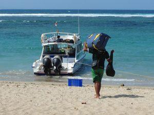 Boot am Strand von Nusa Lembongan