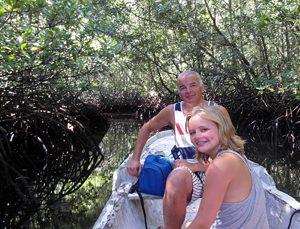 Bootsfahrt durch Mangroven auf Nusa Lembongan
