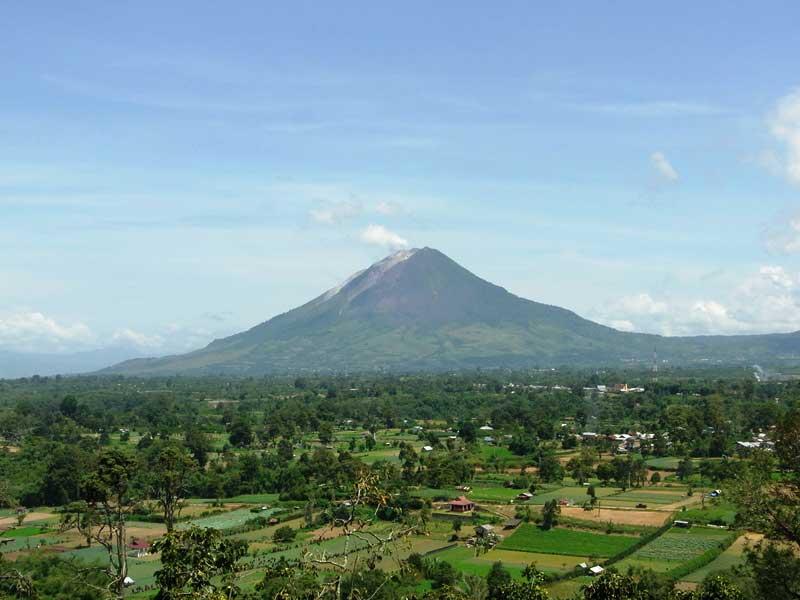 Vulkan bei Berastagi