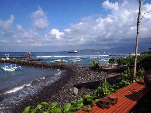 Strand an der Ostküste bei Candidasa