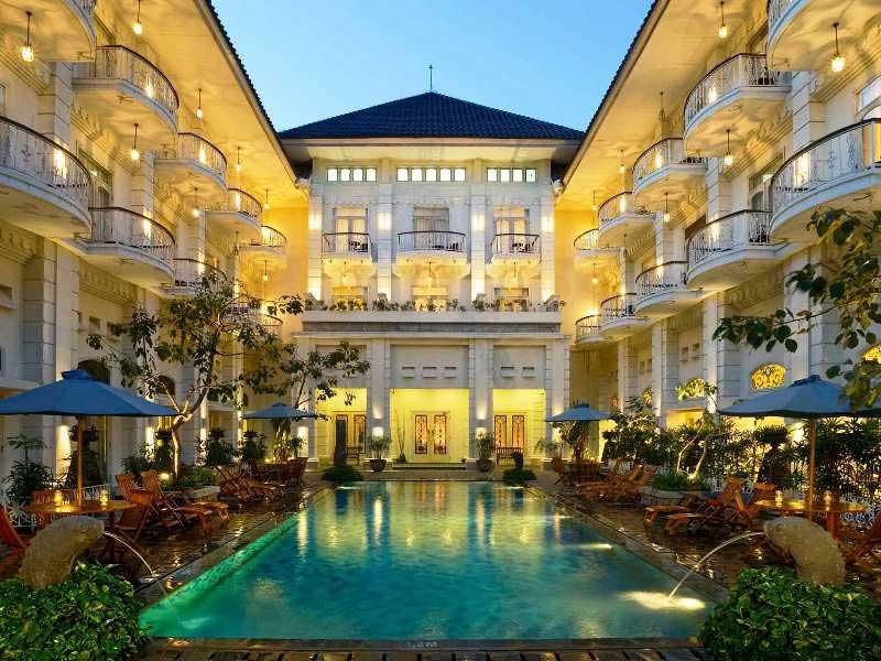 Entspannung bietet der Pool Ihres Komforthotels
